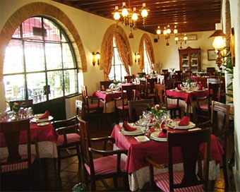 Restaurante castillo de Montemayor